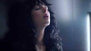 Canción anuncio Black Opium Yves Saint Laurent